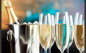 Flute de Champagne Bouteille de champagne - Richard Dailly - œnotourisme Itinéraire Y - Trajectoire Vin